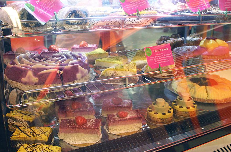 VegFest 2016 raw vegan cakes