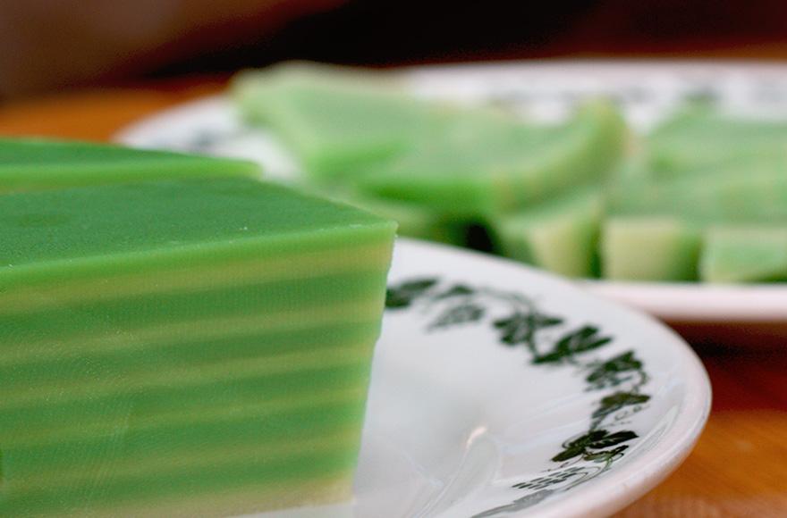 vegan chinese new year pandan coconut rice cake