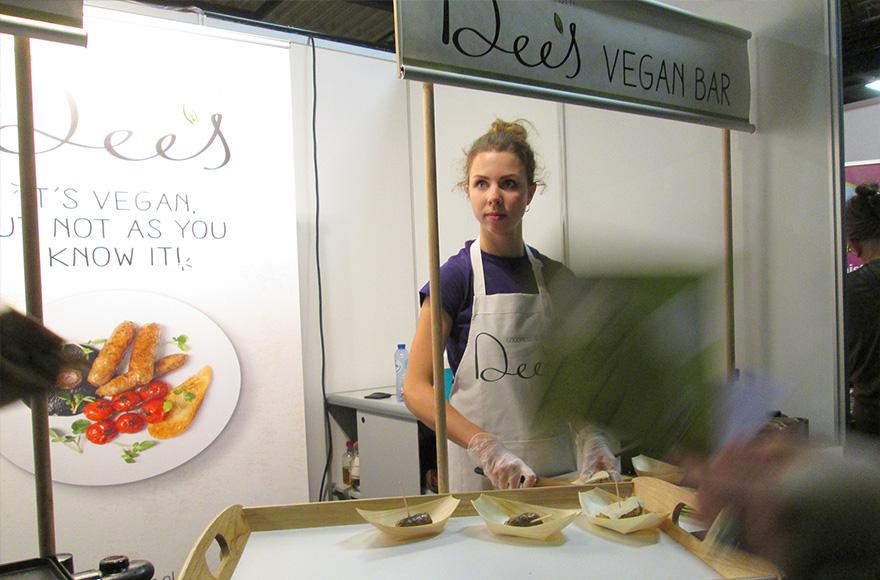 veggie world utrecht dees vegan sausages