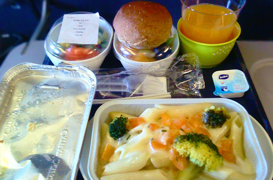 vegan and vegetarian inflight meals cathay pacific VLML