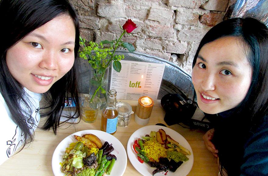 loff breda vegan buffet restaurant selfie
